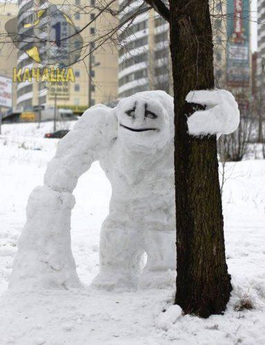 Снеговик-бодибилдер