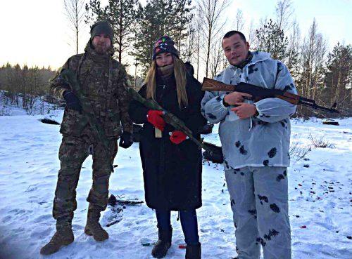 Марьяна Наумова с оружием в руках и питерский фашист Алексей Мильчаков